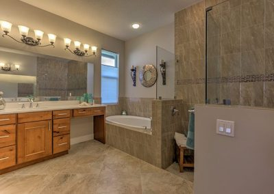 Royal Palm Masterbath
