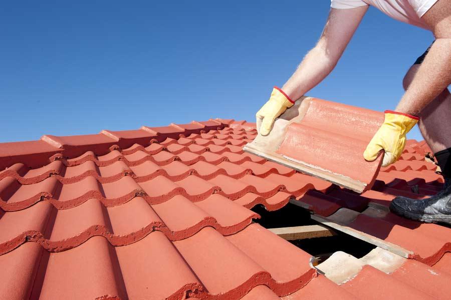 tile roof vs shingle roof new home construction